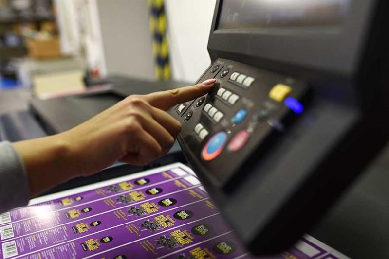 Impressão Digital Pequenas Tiragens Saúde - Impressão Digital de Dados Personalizados