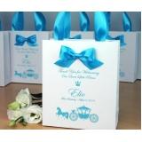 onde comprar sacolas personalizadas de papel para aniversário Freguesia do Ó